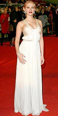 Scarlett Johansson wearing Amanda Wakeley